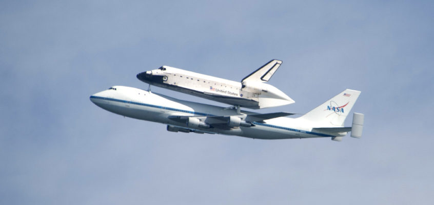 Space Shuttle Endeavour Flies Over the San Francisco Bay Area (Photos)